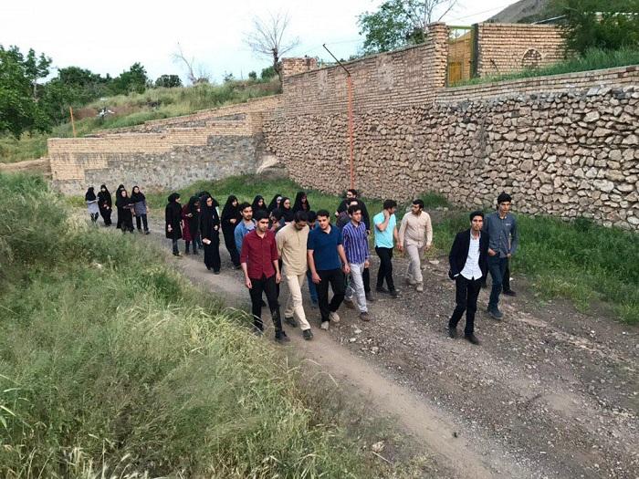 Image 21 حضور جمعی از دانشجویان موسسه در اردوی تشکلاتی بسیج دانشجویی در روستای اندیس