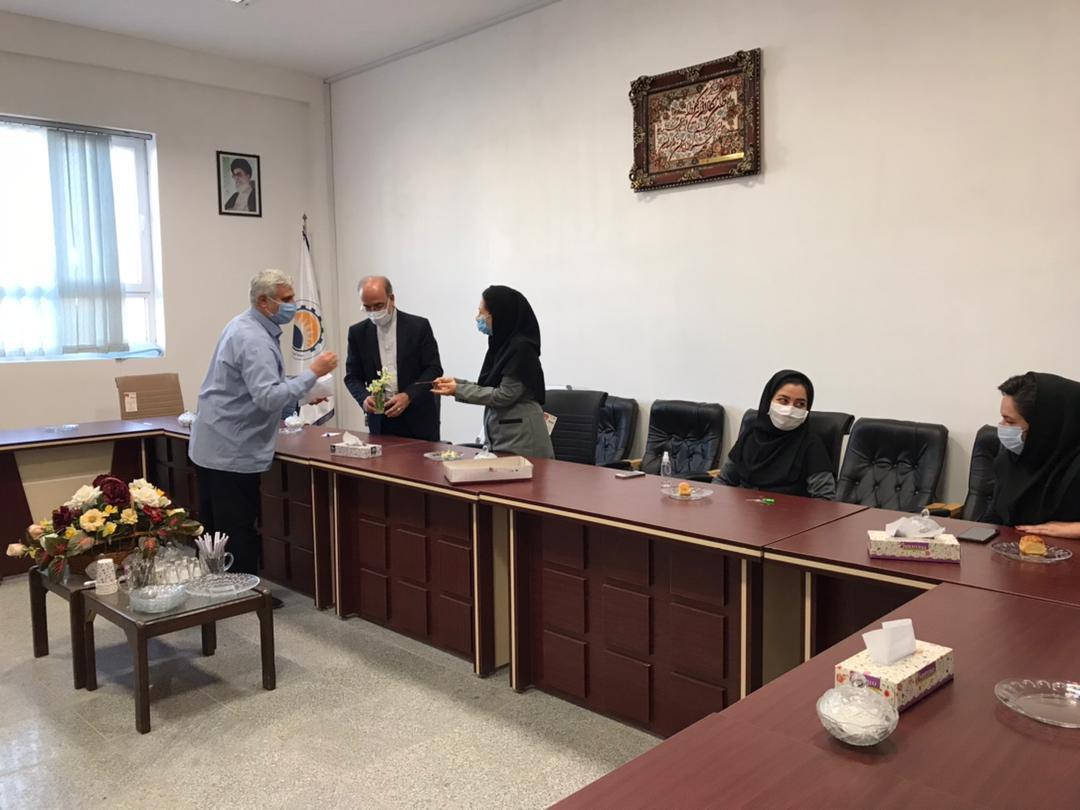 11 مراسم تجلیل از همکاران خانم موسسه به مناسبت گرامیداشت روز زن