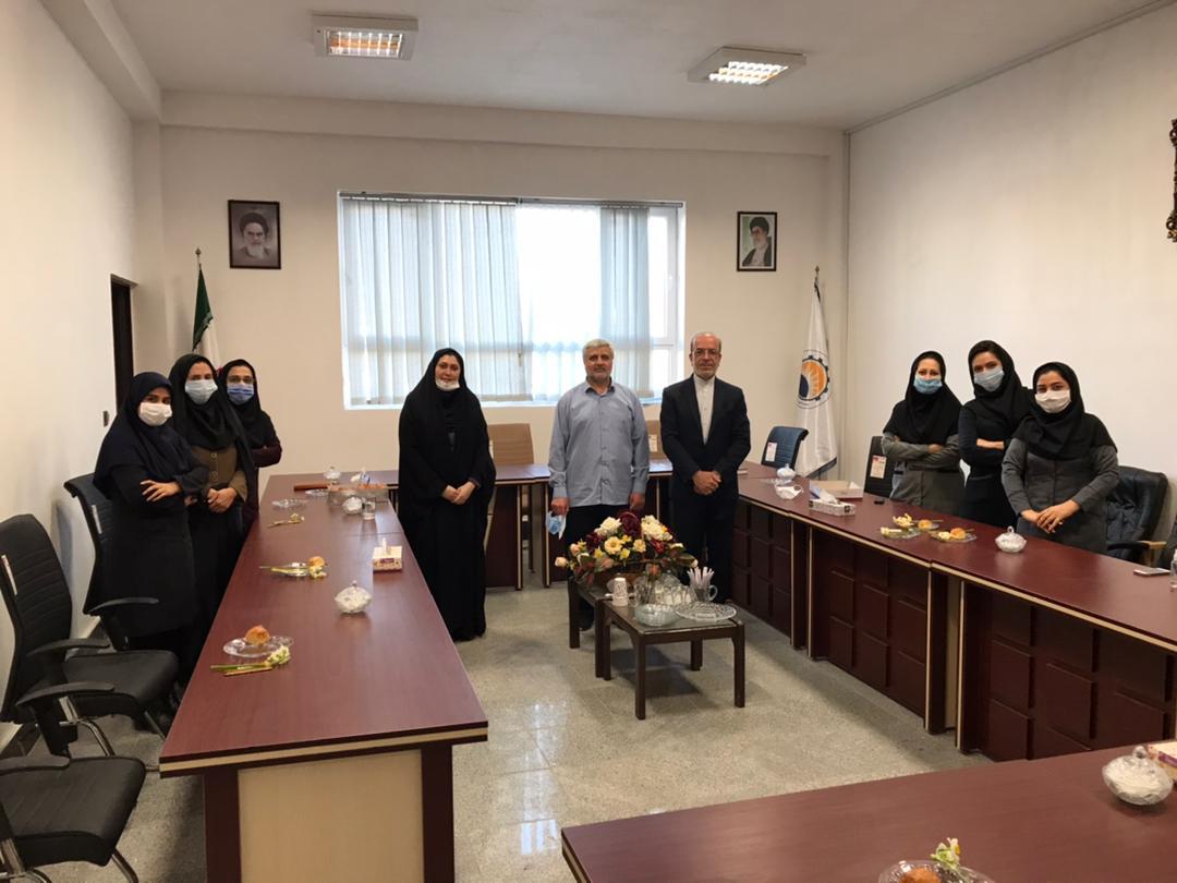 111 مراسم تجلیل از همکاران خانم موسسه به مناسبت گرامیداشت روز زن