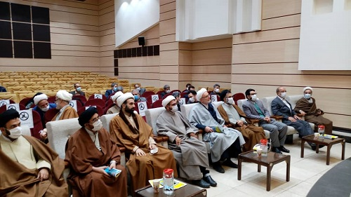 نشست تبین دستاوردهای انقلاب اسلامی از نظر متفکران بین المللی در سالن اجتماعات دانشگاه انرژی برگزار شد