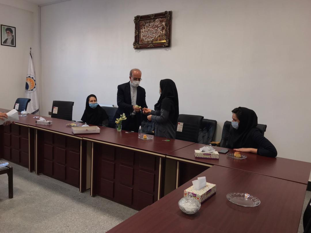 3 مراسم تجلیل از همکاران خانم موسسه به مناسبت گرامیداشت روز زن